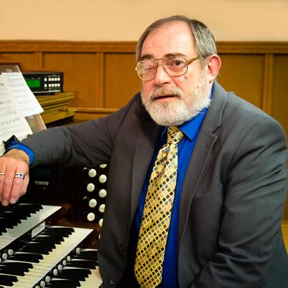 Robert Phillips : Organist